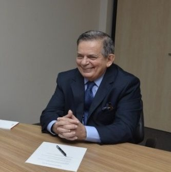 Procurador-Geral de contas e procuradores da coordenadoria de educação se reúnem com Secretário de Estado de Educação